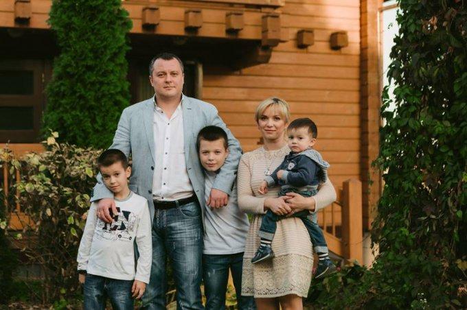 Андрей Мацола с семьей