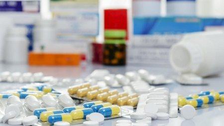 Украинцы за год потратили на медикаменты $2 млрд